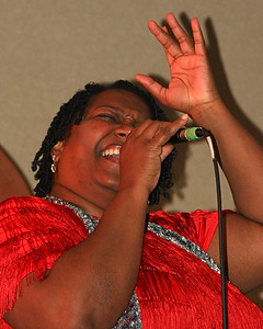 Marilyn Keller, vocals